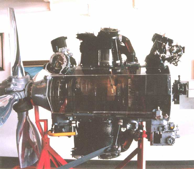 MOF-2/M-B29Engine-1.jpg (42K)